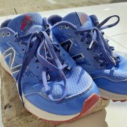 Sepatu Anak Biru